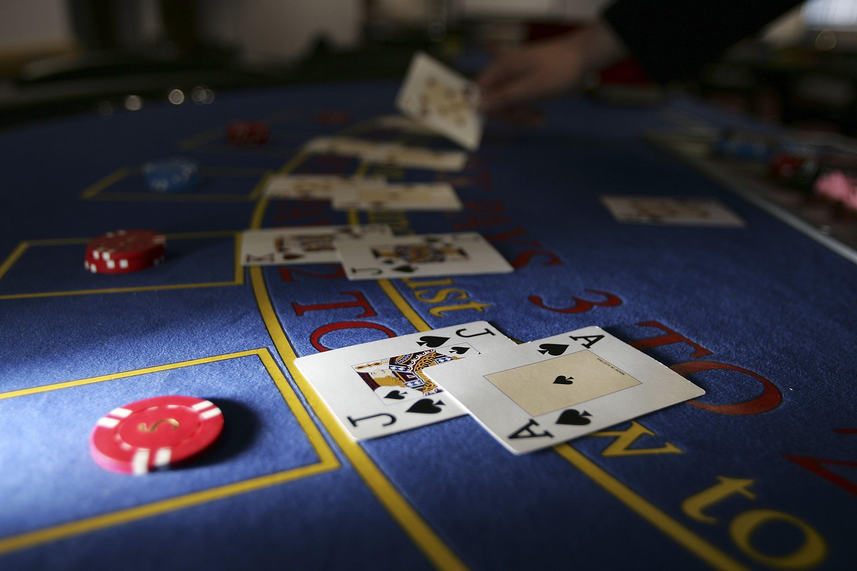 Betting online odds Holdem 493082